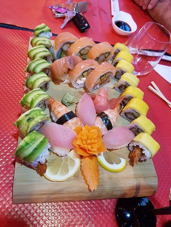 La Roquette-sur-Siagne, Francia: sushis pour le côté japonnais