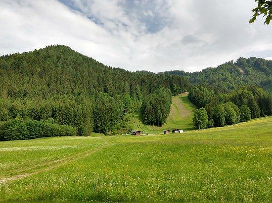 Unterbergen, Oostenrijk: Where the kids learn to ski in the winter.