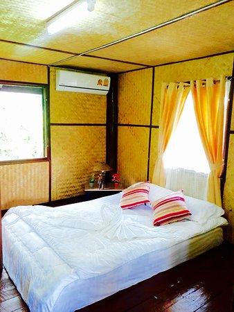 Saraphi, Tailandia: Romantik Bungalow Kingbed