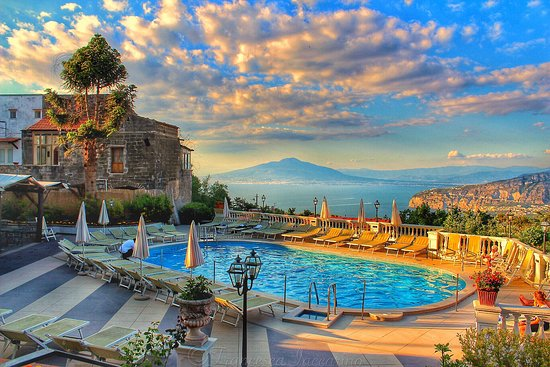 Mixed Bag Review Of Hotel Jaccarino Santagata Sui Due