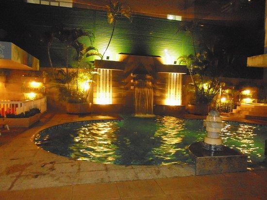 Praiano Hotel: Piscina de noche