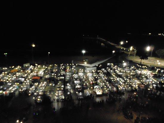 Praiano Hotel: Vista de la feria desde una ventana del hotel
