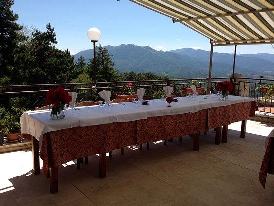 Collalto Sabino, Italy: pranzo in terrazza