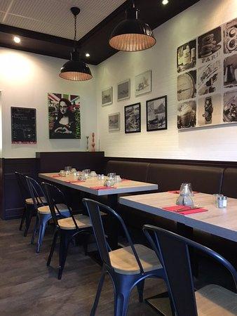 Illzach, Frankrijk: tables du restaurant