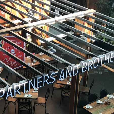 Partners & Brothers Burgerlab afbeelding