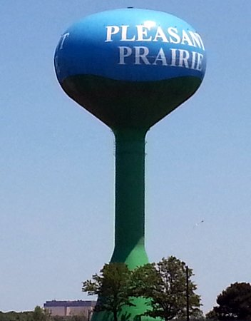 Pleasant Prairie Premium Outlets: this water tower is very clearly visible from the highway