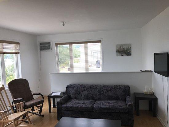 Saint-Mathieu-de-Rioux, Canada: Cabine deluxe pour 6 salon