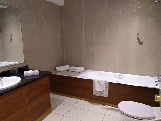 Imperial Hotel Galway: IMG_20180516_214811_large.jpg