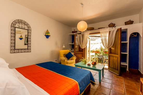 Cartajima, İspanya: A Cosy Double room which overlooks the courtyard