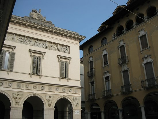 Novara, Italien: Veduta esterna