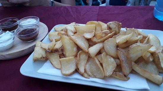Jarandilla de la Vera, España: Patatas salsas