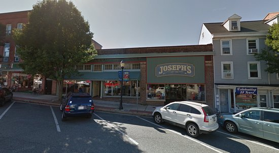 Havre de Grace, MD: Exterior of store