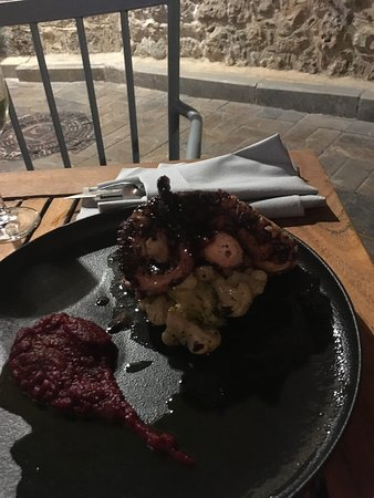 Pio Gastro Bar & Bistro: Fresh octopus so delicious