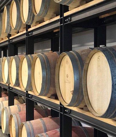 Sudy pro uchování červeného vína