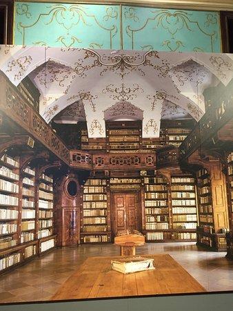 Gottweig, Austria: Library