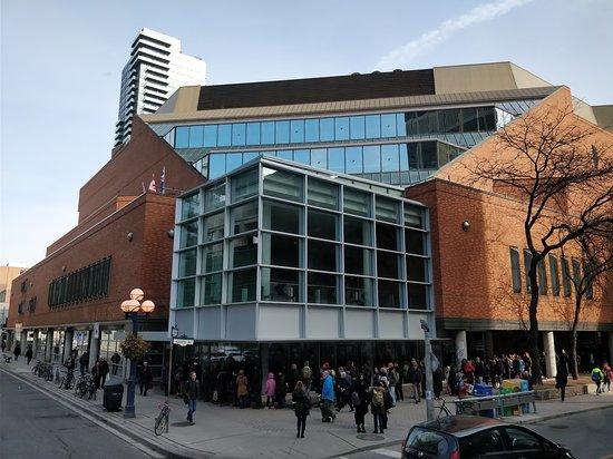Toronto Public Library: Vista externa