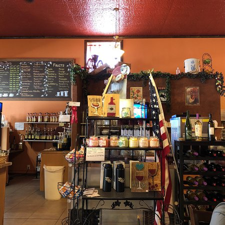 Burns, OR: Great restaurant and awesome food - the cranberry carrot cake was delicious and we enjoyed and a