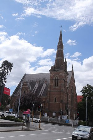 ‪Hobart Full Gospel Central Church‬