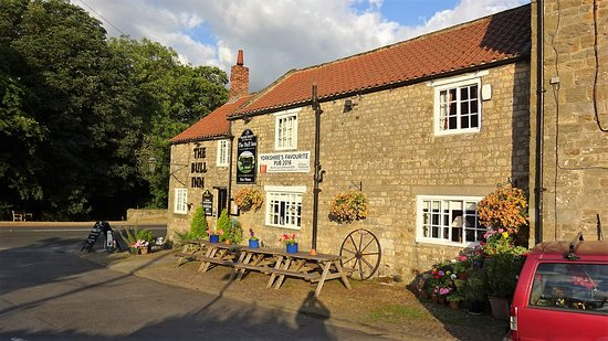West Tanfield, UK: The Bull Inn