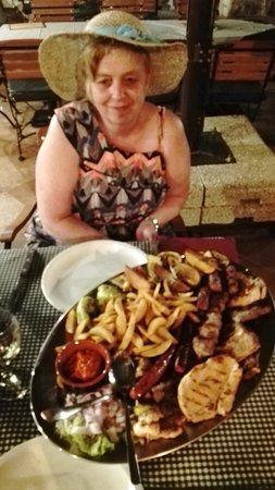 Konoba Dubrava: De Mixed-grill platte