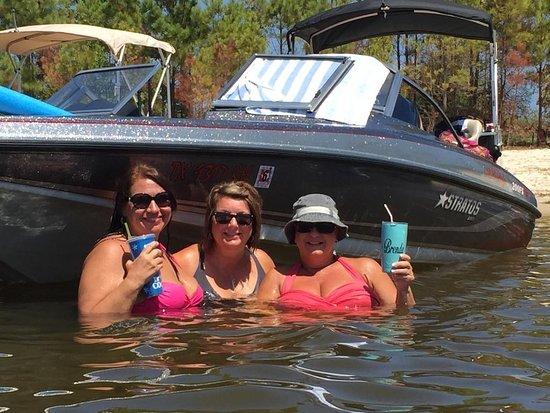 Jasper, TX: Cooling in the lake.