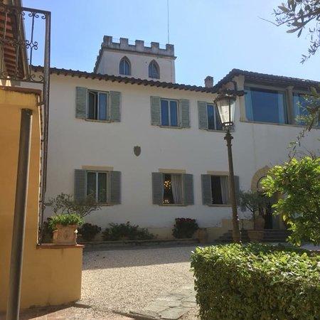 Gorgeous Italian Villa accommodation.