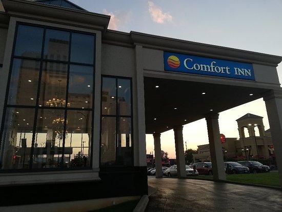 Comfort Inn Fallsview: IMG_20180701_205004_large.jpg