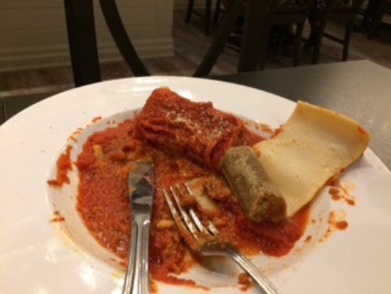 Mama Mia's Italian Eatery: This actually looks like I ate more than I did. The portion was small. I gave up.
