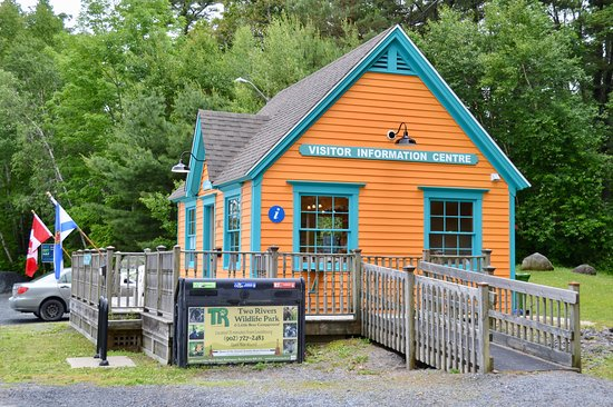 Mahone Bay, Canadá: Colourful Visitor Information Centre