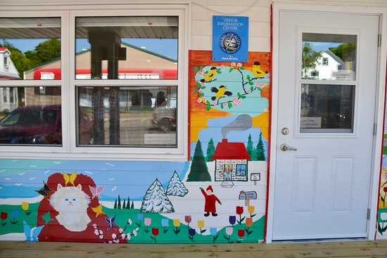 Digby, Canada: Maud Lewis artwork and entrance