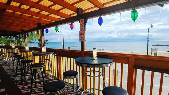 Tiny, Canadá: We have the best 2nd floor patio view of Balm Beach that overlooks Georgian Bay