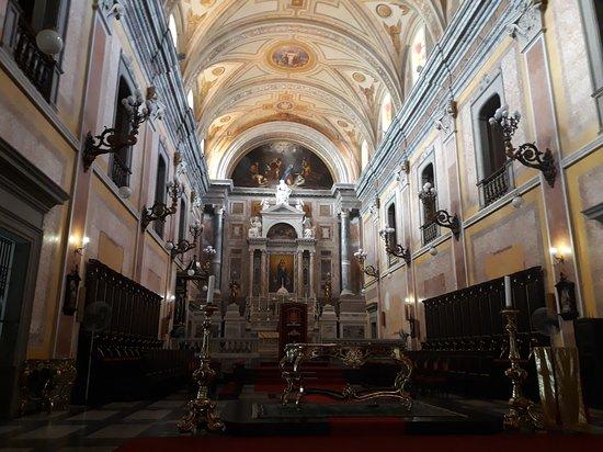 Belem Metropolitan Cathedral: Interior da igreja.