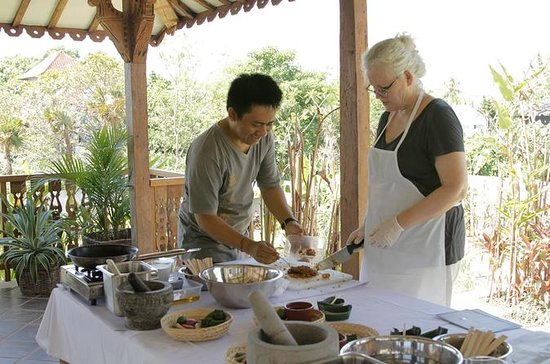 Cooking Class in Canggu with Cycling