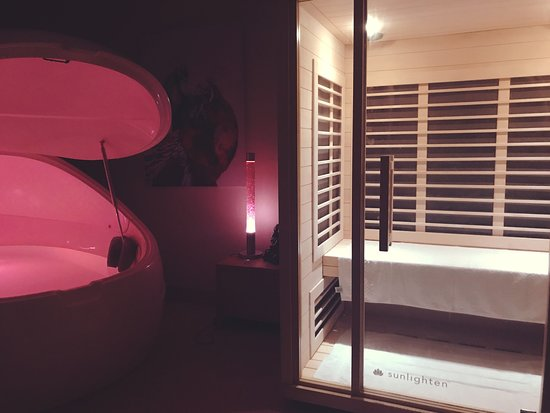 Moonah, Australia: Float Pod and Infrared Sauna Cabin