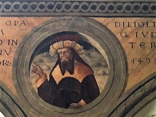 Esine, Chiesa di Santa Maria Assunta: parapetto della loggia