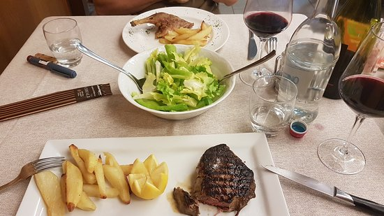 Trattoria Trinita: Secondo (main course in Italian), fillet and duck