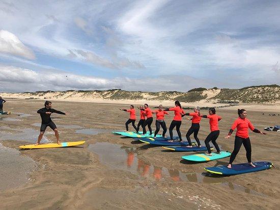 Le Verdon-Sur-Mer, Frankreich: Théorie sur la plage avant de se jeter à la mer !