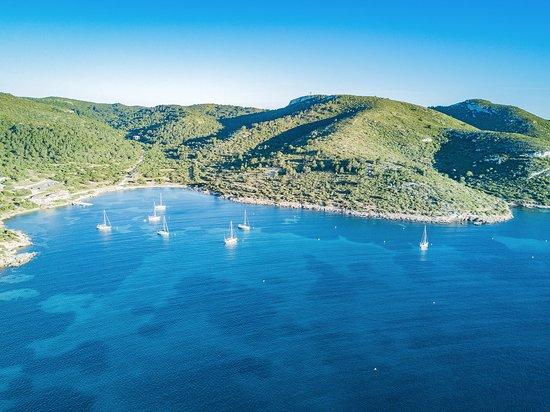 Einer unserer Segeltörns um Mallorca, hier Ankern und übernachten in der Bucht Cabrera