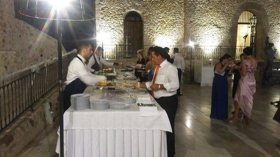 Joppolo Giancaxio, Italien: Buffet di dolci presso la piazzetta
