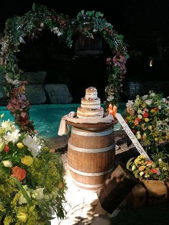 Roccaromana, Италия: torta a bordo piscina