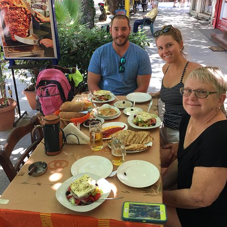 La Belle Helene: We had an AMAZING lunch on our stop in Olympia.
