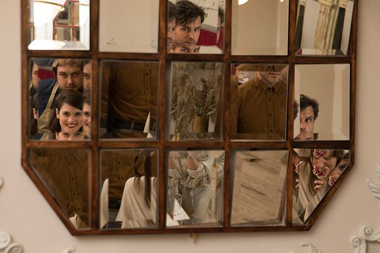 Dining room mirrors - Picture of The Moveable Feast, Cape ...