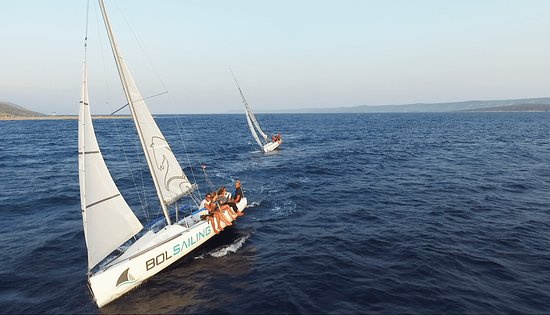 Bol, Kroatië: Active Sailing tour - Match racing with two identical boatsF