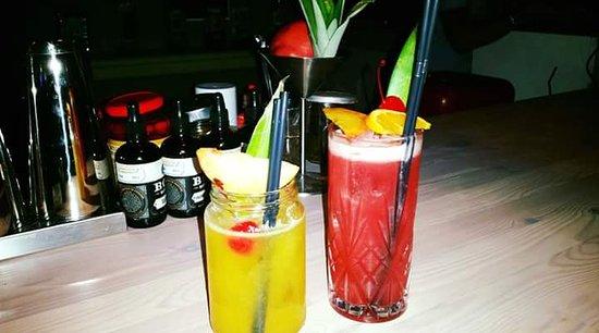 ไอออส, กรีซ: Fruity cocktails