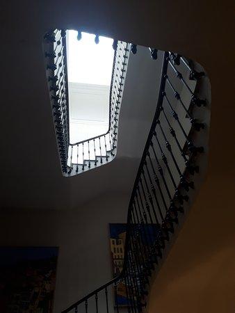 Hotel L'Orque Bleue: Escalier