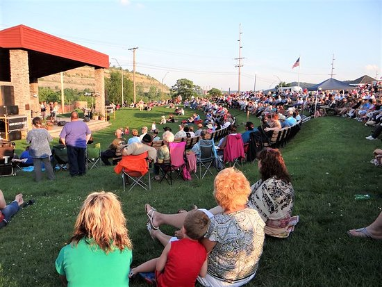 Steubenville, OH: Thursday evenings feature the Summer Concert Series at the Berkman Amphitheater in Fort Steuben
