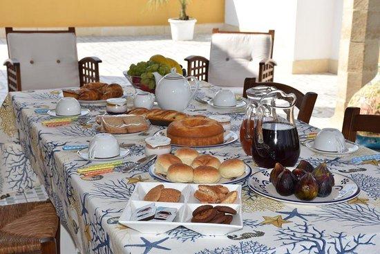 Sanarica, Olaszország: Colazione in Terrazza