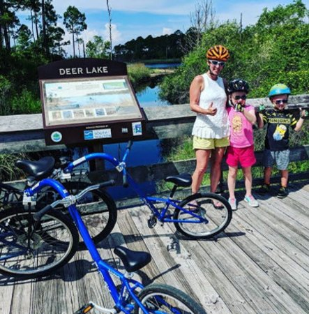 Seagrove Beach, FL: family bike ride to deer lake