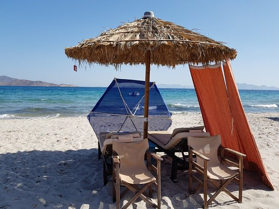 Τιγκάκι, Ελλάδα: Happy flamingo beach, happy and friendly customer service, relaxing atmosphere with smiley faces