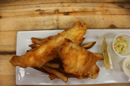 Calabogie, Kanada: The Fish N' Chips can also be served with a side salad, and pan fried!